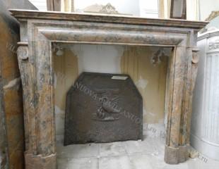 Камин антикварный мраморный (каминный портал) Villa Nuova B049065