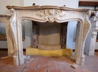Камин антикварный мраморный (каминный портал) Villa Nuova B044167