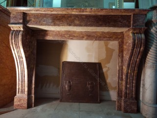 Камин антикварный мраморный (каминный портал) Villa Nuova B032507