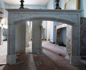 Камин антикварный мраморный (каминный портал) Villa Nuova B012962
