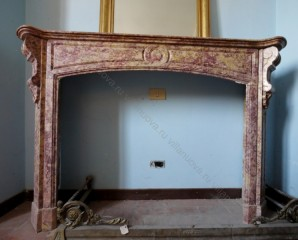 Камин антикварный мраморный (каминный портал) Villa Nuova B025194