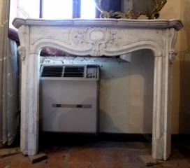 Камин антикварный мраморный (каминный портал) Villa Nuova B023481