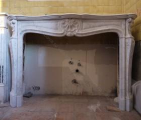 Камин антикварный мраморный (каминный портал) Villa Nuova B035374