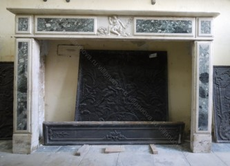 Камин антикварный мраморный (каминный портал) Villa Nuova B038474