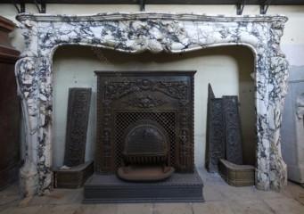 Камин антикварный мраморный (каминный портал) Villa Nuova B040296