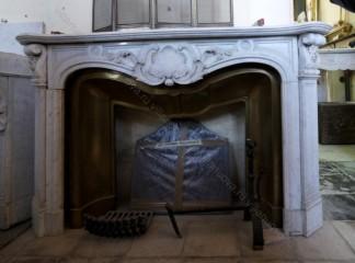Камин антикварный мраморный (каминный портал) Villa Nuova B033076