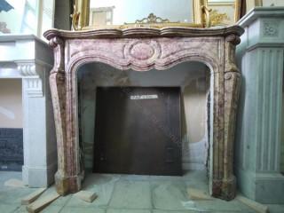 Камин антикварный мраморный (каминный портал) Villa Nuova B041596