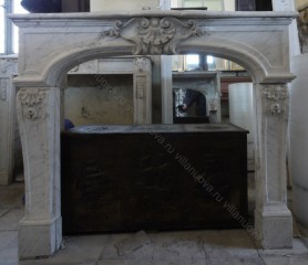 Камин антикварный мраморный (каминный портал) Villa Nuova B037276