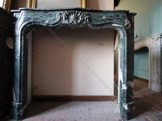 Камин антикварный мраморный (каминный портал) Villa Nuova B017523