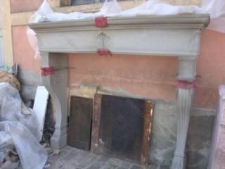 Камин антикварный каменный (каминный портал) Villa Nuova B030714