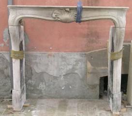 Камин антикварный каменный (каминный портал) Villa Nuova B022266