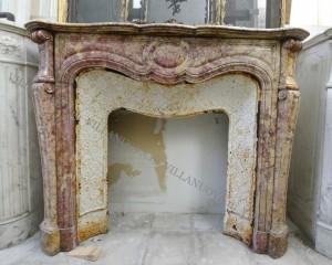 Камин антикварный мраморный (каминный портал) Villa Nuova B041590