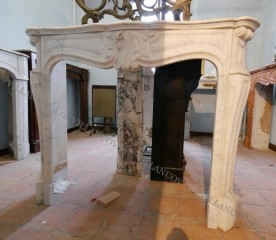 Камин антикварный мраморный (каминный портал) Villa Nuova B047524