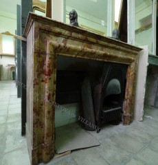 Камин антикварный мраморный (каминный портал) Villa Nuova B047837