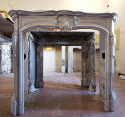 Камин антикварный мраморный (каминный портал) Villa Nuova B019384