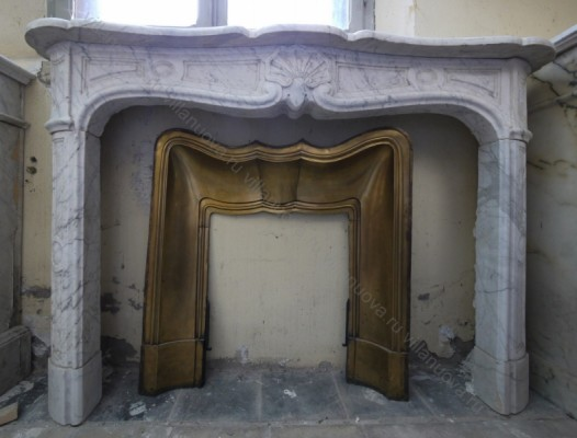 Камин антикварный мраморный (каминный портал) Villa Nuova B019346