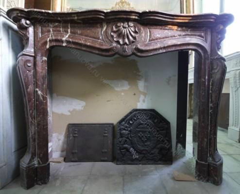Камин антикварный мраморный (каминный портал) Villa Nuova B039596