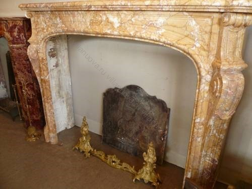 Камин антикварный мраморный (каминный портал) Villa Nuova B028845