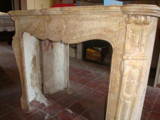 Камин антикварный мраморный (каминный портал) Villa Nuova B036207