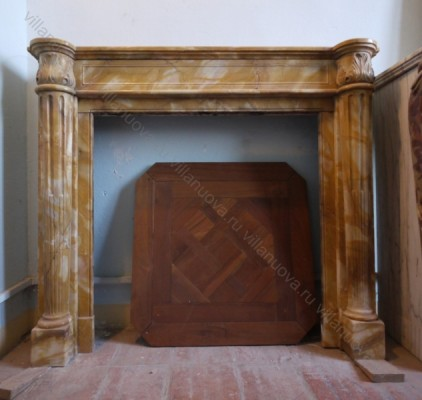 Камин антикварный мраморный (каминный портал) Villa Nuova B033446