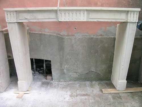 Камин антикварный каменный (каминный портал) Villa Nuova B018237