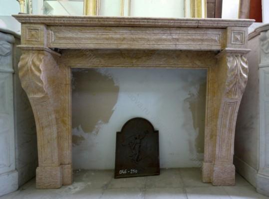Камин антикварный мраморный (каминный портал) Villa Nuova B038773