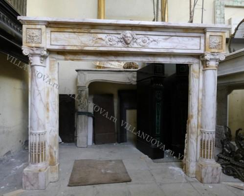 Камин антикварный мраморный (каминный портал) Villa Nuova B049023